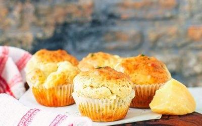 Muffins de queso cheddar y mostaza